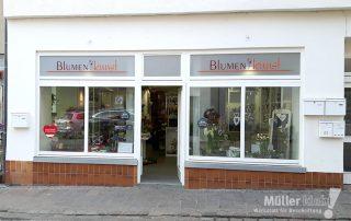 Müller klebt! Leonberg Schaufensterbeklebung Blumenkunst
